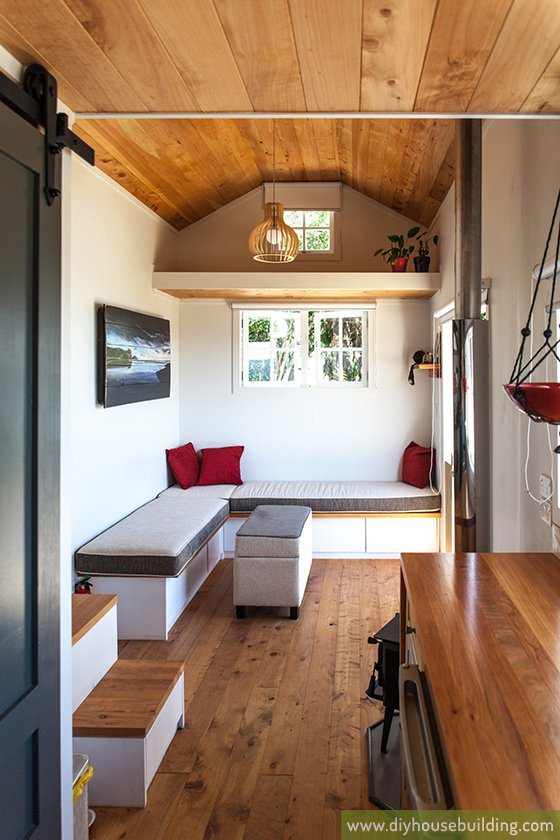 Blog tiny house living in nz for Tiny house blog family